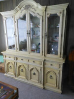 REDUCED! Thomasville China Cabinet/buffet&hutch