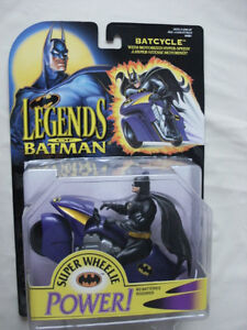 1994 LEGENDS OF BATMAN: BATCYCLE WITH MOTORIZED HYPER-SPEED!