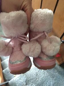 Toddler size 4 winter boots  Prince George British Columbia image 1