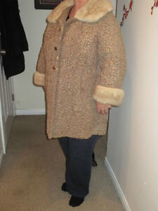 Beautiful Lambs Wool And Mink Collar Coat