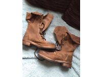 Women's Size 4 SuperDry Lace-up Boots