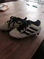 Size 11 toddler soccer shoes