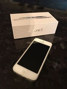 Iphone 5 32 gb - white (unlocked)