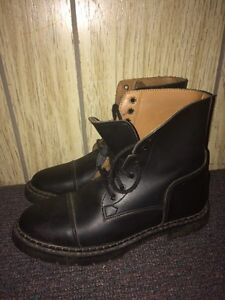 Almost new Vequi English boots