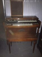 Hammond organ equipped with speaker and bench