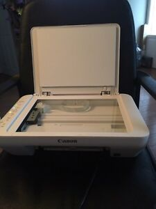 CANON WIRELESS PRINTER COMES WITH 3 BRAND NEW CARTRIDGES Belleville Belleville Area image 2