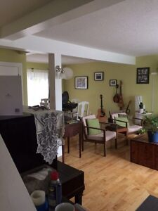 2 rooms for rent in East City Peterborough Peterborough Area image 2
