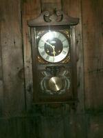 Horloge Sabre antique en excellente condition