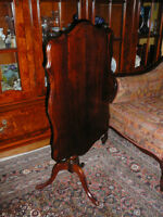 "Magnifique table antique/1940 style Queen Anne 30""x19""x19"" noyer"
