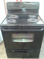 "FAMILY Sized 30"" BLACK Frigidaire STOVE.... MINT CONDITION!"