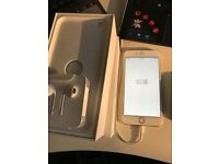 Apple Iphone 6 Plus in White/Rose Gold 16gb o2