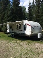 2010 Keystone Hornet 32 ft