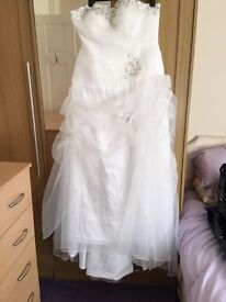 White Wedding dress size 16