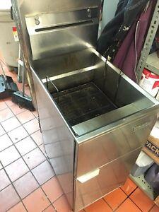 Deep fryer machine for restaurant