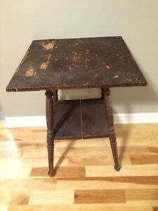 Beautiful antique side table circa 1905