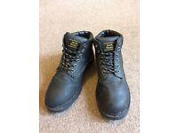 Men s Size 7 Black Boots Brand: Earthworks
