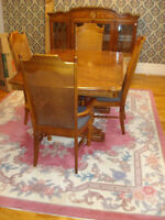 Dining Room Table & Leaf, 1 Arm Chair & 4 Side Chairs