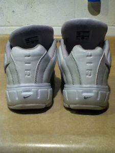 Women's Nike Air Cross Training Shoes Size 10 London Ontario image 3