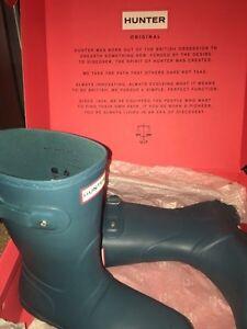 Short Hunter boots size 8!!
