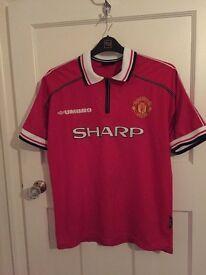 Manchester United 88/99 home shirt