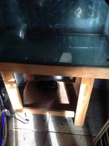 Cracked Tank and Stand Meadow Springs Mandurah Area Preview