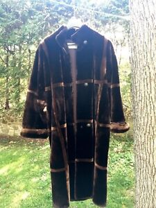 Fake fur coat from France West Island Greater Montréal image 1