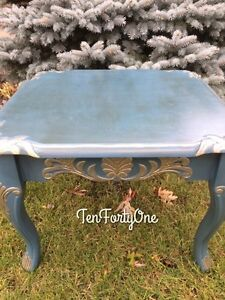 Gorgeous antiqued end table