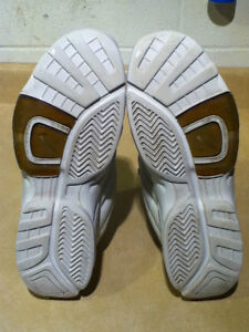 Women's Nike Air Cross Training Shoes Size 10 London Ontario image 2