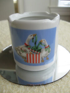 """ATTRACTIVE LITTLE SCENTED CANDLE HOLDER """"THE THREE GEESE"""""""