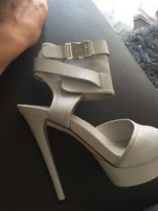 Gucci sandals  West Island Greater Montréal image 2