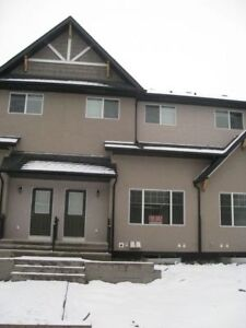 TOWNHOUSE/CONDO FOR RENT IN OKOTOKS AB
