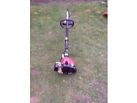 SOVEREIGN PETROL GRASS STRIMMER WORKS GREAT CAN BE SEEN WORKING CB5 £55
