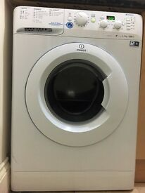 Indesit innex washing machine 8 months old. £100