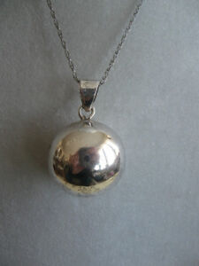 UNUSUAL ['70's] STERLING SILVER MUSICAL HARMONY PENDANT NECKLACE
