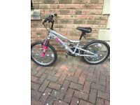 Girls bike approx age 5-8 yrs