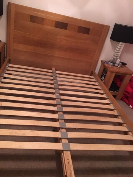 Bed solid hardwood king size, originally from dansk, excellent condition