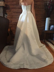 Brand New in Bag - Alfred Sung Wedding Dress Cambridge Kitchener Area image 4