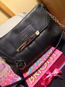 guess cross body bag -perfect condition