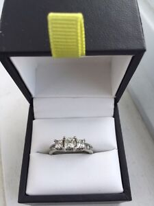 19 kt gold Engagement ring from spence diamonds  Kitchener / Waterloo Kitchener Area image 1