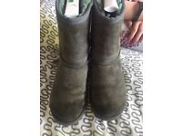 Genuine ugg boots uk2 grey classic