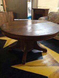 Antique Tiger Oak Pedestal Table