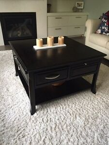 4 piece  coffee table set ( coffee ,  2 sides , console  )  London Ontario image 1