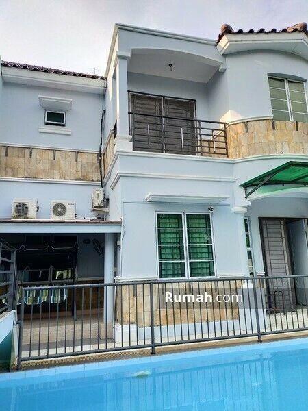 Villa Rafflesia: 4 bedroom semi-detached townhouse in Batam Centre (Swimming Pool)