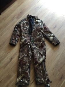 Gently used Youth Large, insulated, scent blocker hunting suit Sarnia Sarnia Area image 1