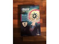 BRAND NEW Oral-B Pro 3000 electric toothbrush