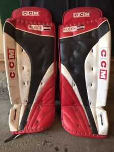 "32"" CCM Blockade intermediate goalie pads"