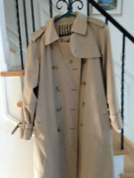 Classic Burberry Trench Coat in excellent condition