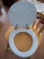 Siège de toilette NEUF