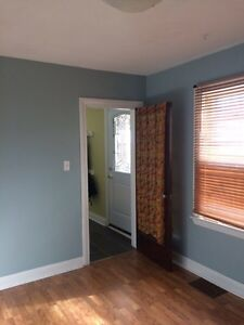 2 rooms for rent in East City Peterborough Peterborough Area image 3