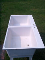 Double Laundry Tub / Sink